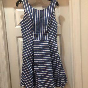 Vineyard Vines blue and white striped dress, sz 6